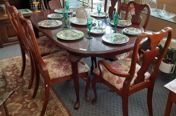 9 Piece Table And Chairs