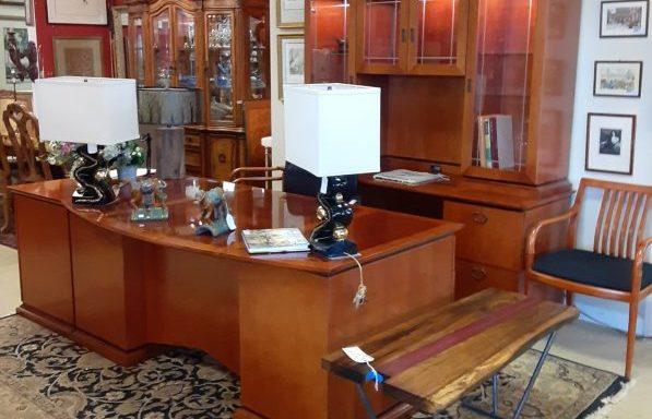EXECUTIVE & HOME OFFICE DESKS