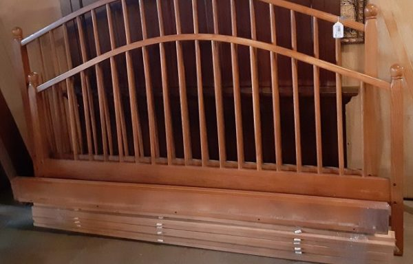 King Size Headboard and Foot Board With Rails