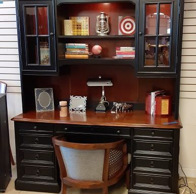 2 Piece Desk With Hutch