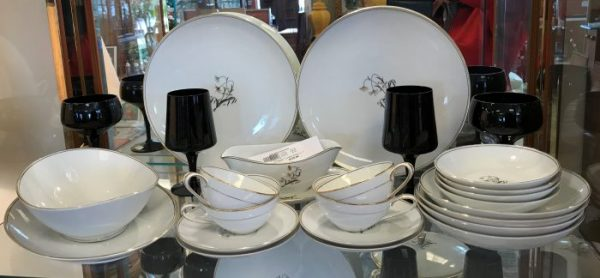 CHINA & CERAMIC DISH SETS