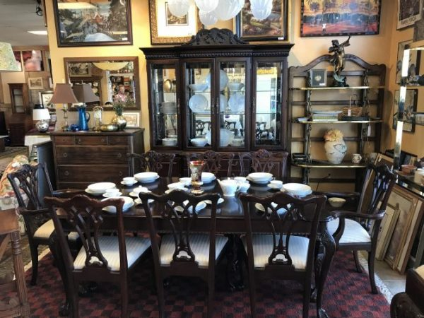 Ornate Chippendale Style Mahogany Dining Room Set