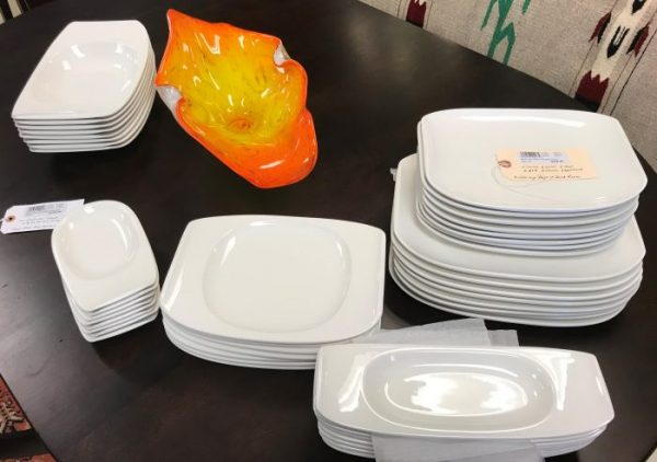 48 Piece Set Of Villeroy And Boch China