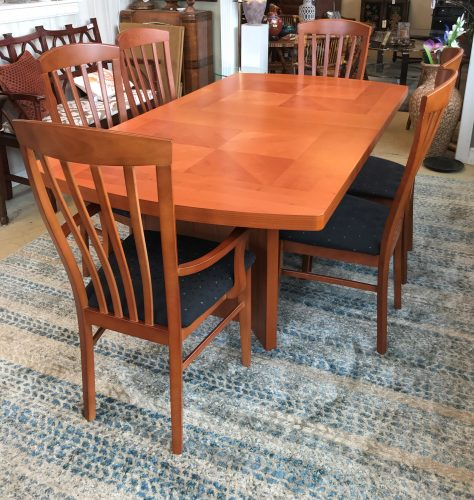 Italian Cherry Dining Room Table And Chairs