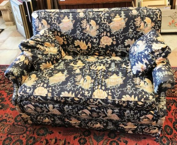 Vintage Chinoiserie Twin Sleeper Love Seat With Pillows