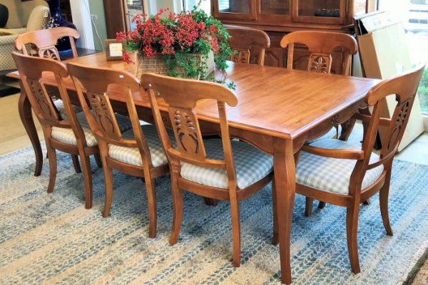 Ethan Allen Honey Maple Dining Room Set and Matching China Cabinet Sold Separate