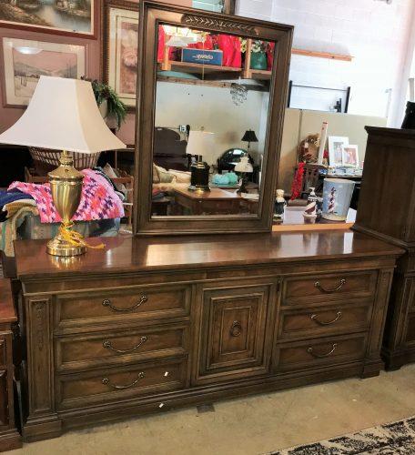 Drexel Furniture Co Bedroom  Full Dresser With Mirror