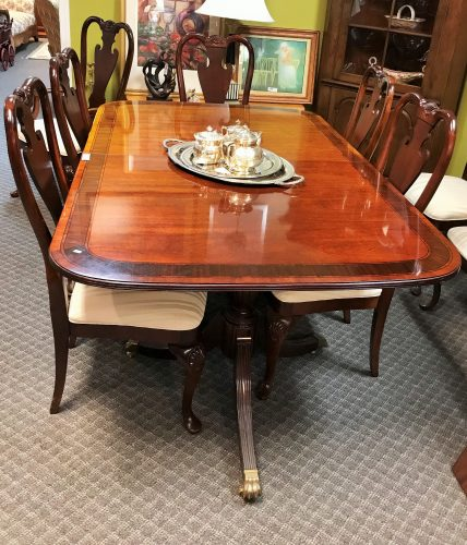 Thomasville Furniture Cherry-Mahogany Dining Room Set